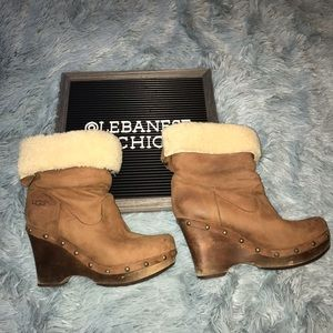 Size 7 Ugg Clog Boots